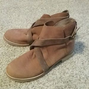 Free People booties size 10/40